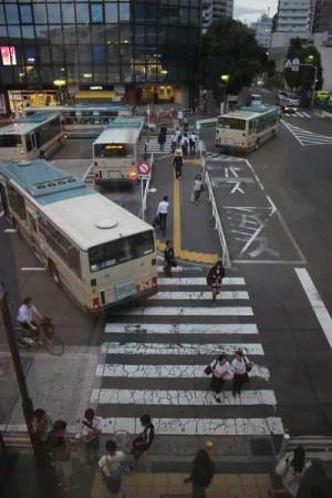 中央部の横断歩道はなくなる。2015年6月8日撮影
