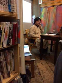 「カプカプ」について語る所長の鈴木励滋さん
