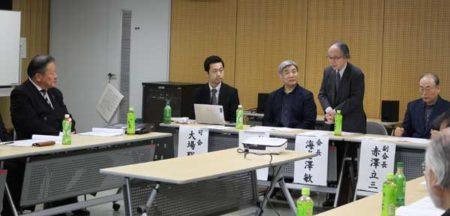 挨拶する海老澤敏会長(西東京市文化芸術振興会総会)