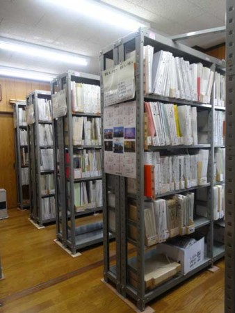 アーカイブの書庫。写真は筆者提供。