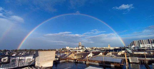 虹が架かる