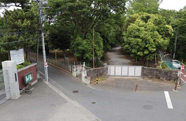 武蔵野運動場の南側入口